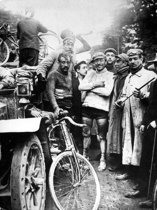 Maurice Garin à l'arrivée du Tour 1903