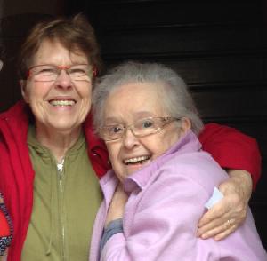 Les 2 gamines de l'école de Boudonville 72 ans plus tard. Elles n'ont pratiquement pas changé !